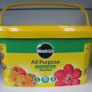 Miracle-Gro Continuous Slow Release All Purpose Plant Food 2kg